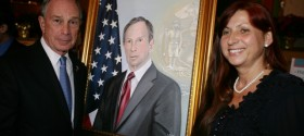 Mayor Michael Bloomberg with Leokadia and his portrait